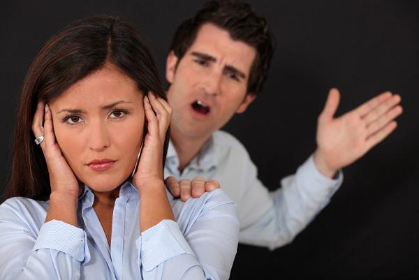 נאשם המצוי בהליכי גירושין זוכה מחמת הספק מעבירות איומים ותקיפה